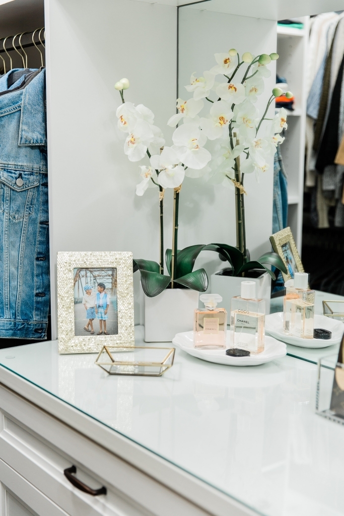 How to Organize your Closet like a Boss featured by top US fashion blog, LuxMommy