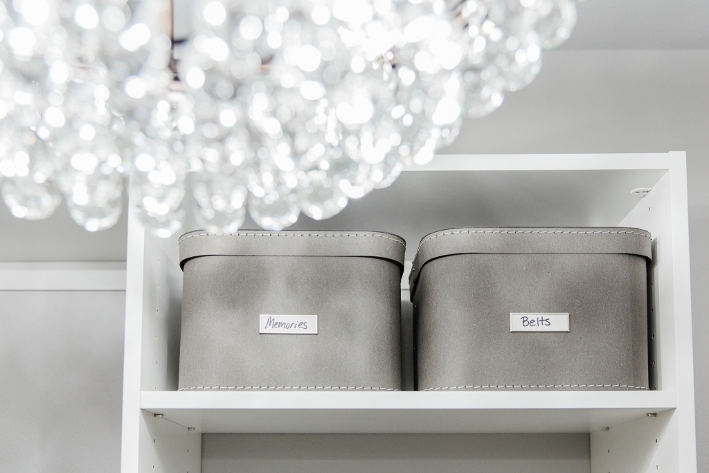 How to Organize your Closet like a Boss featured by top US fashion blog, LuxMommy: closet organization tips