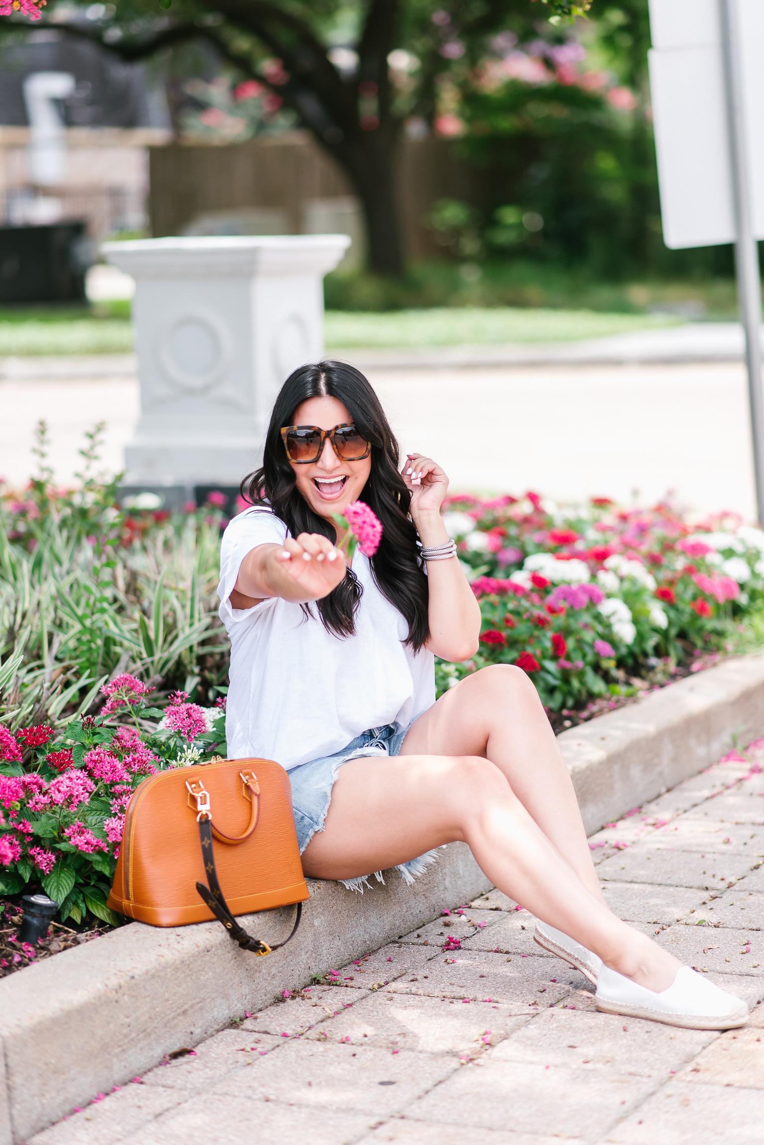 Houston lifestyle and fashion blogger LuxMommy sharing random facts
